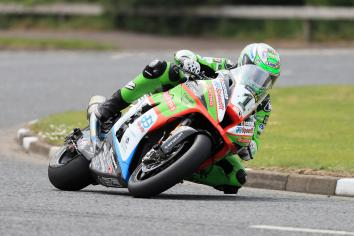 Irwin smashes lap record on way to Superbike pole