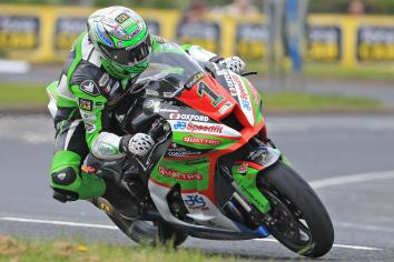 Irwin hoping to retain North West 200 Superbike title