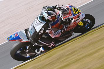 Michael Dunlop to race Buildbase Suzuki superbike at Oulton Park