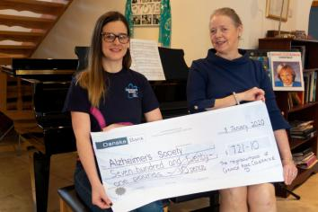 Local residents raise over £700 for Alzheimers charity